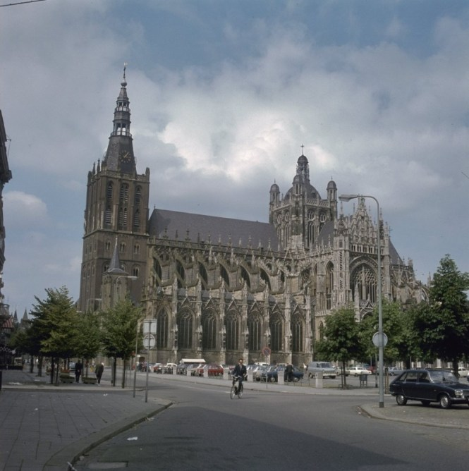 Sint Janskathedraal - TOP 10 MOST FAMOUS DUTCH CHURCHES AND CATHEDRALS