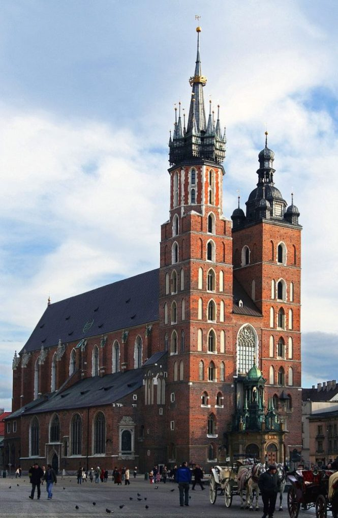 Mariakerk 669x1024 - TOP 10 BEST ATTRACTIONS IN KRAKOW