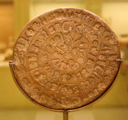 Discus van Phaistos - TOP 10 BIGGEST UNRESOLVED MYSTERIES