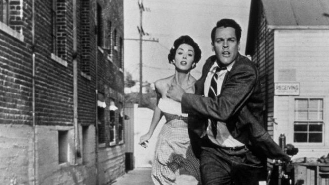 Invasion of the Body Snatchers - TOP 10 BEST ALIEN MOVIES