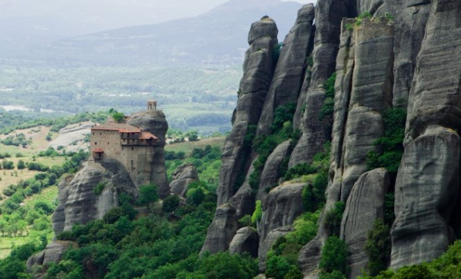 Meteora klooster - TOP 10 MOST BEAUTIFUL MONASTERIES IN THE WORLD