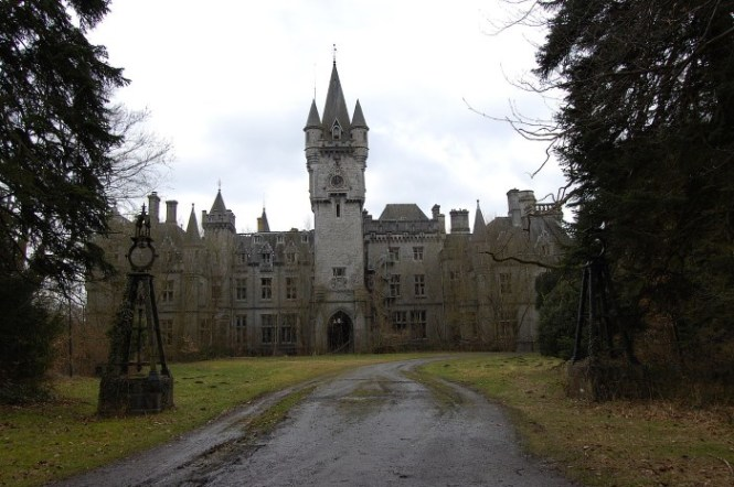 Miranda Kasteel - TOP 10 MOST BEAUTIFUL CASTLES IN THE WORLD