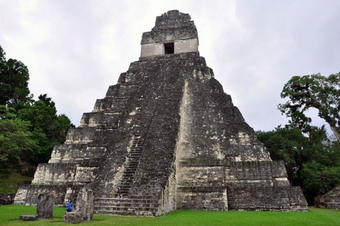 Piramide van de Grote Jaguar - TOP 10 MOST FAMOUS PYRAMIDS IN THE WORLD