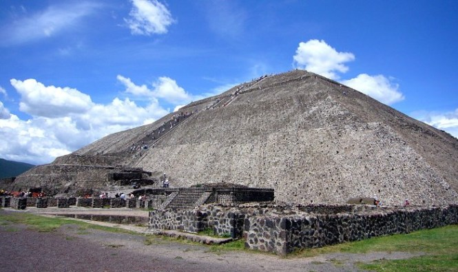 Piramide van de zon - TOP 10 MOST FAMOUS PYRAMIDS IN THE WORLD