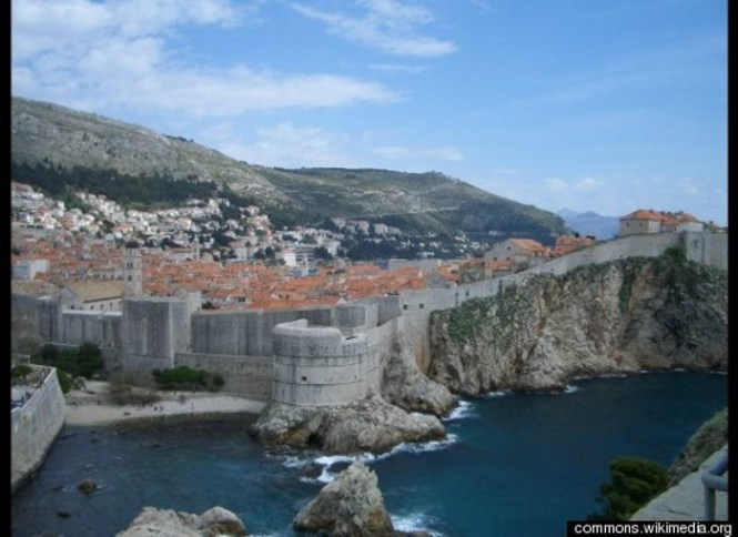 Ston - TOP 10 FAMOUS WALLS IN THE WORLD
