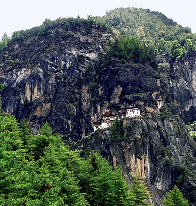 Taktsang - TOP 10 MOST BEAUTIFUL MONASTERIES IN THE WORLD
