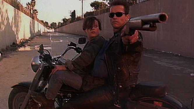 Terminator 2 - TOP 10 ACTION MOVIES WITH A WOMAN IN THE LEADING ROLE