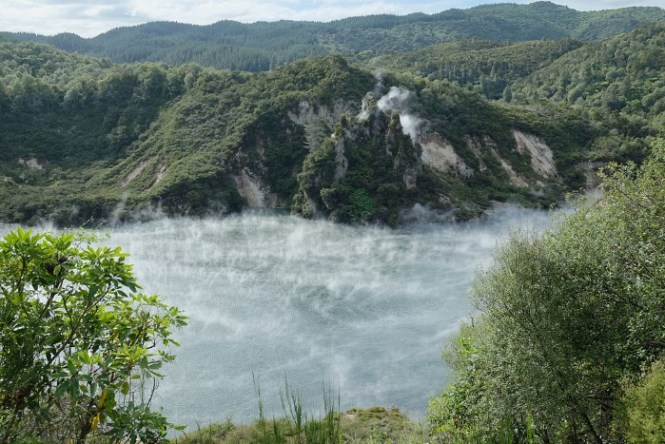 Waimangu Cauldron - TOP 10 VERY SPECIAL LAKES IN THE WORLD