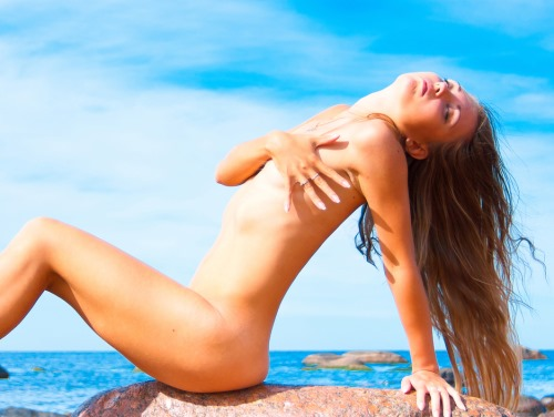 naakstrand 5 - TOP 10 BEST NAKED NUDE BEACHES IN THE WORLD