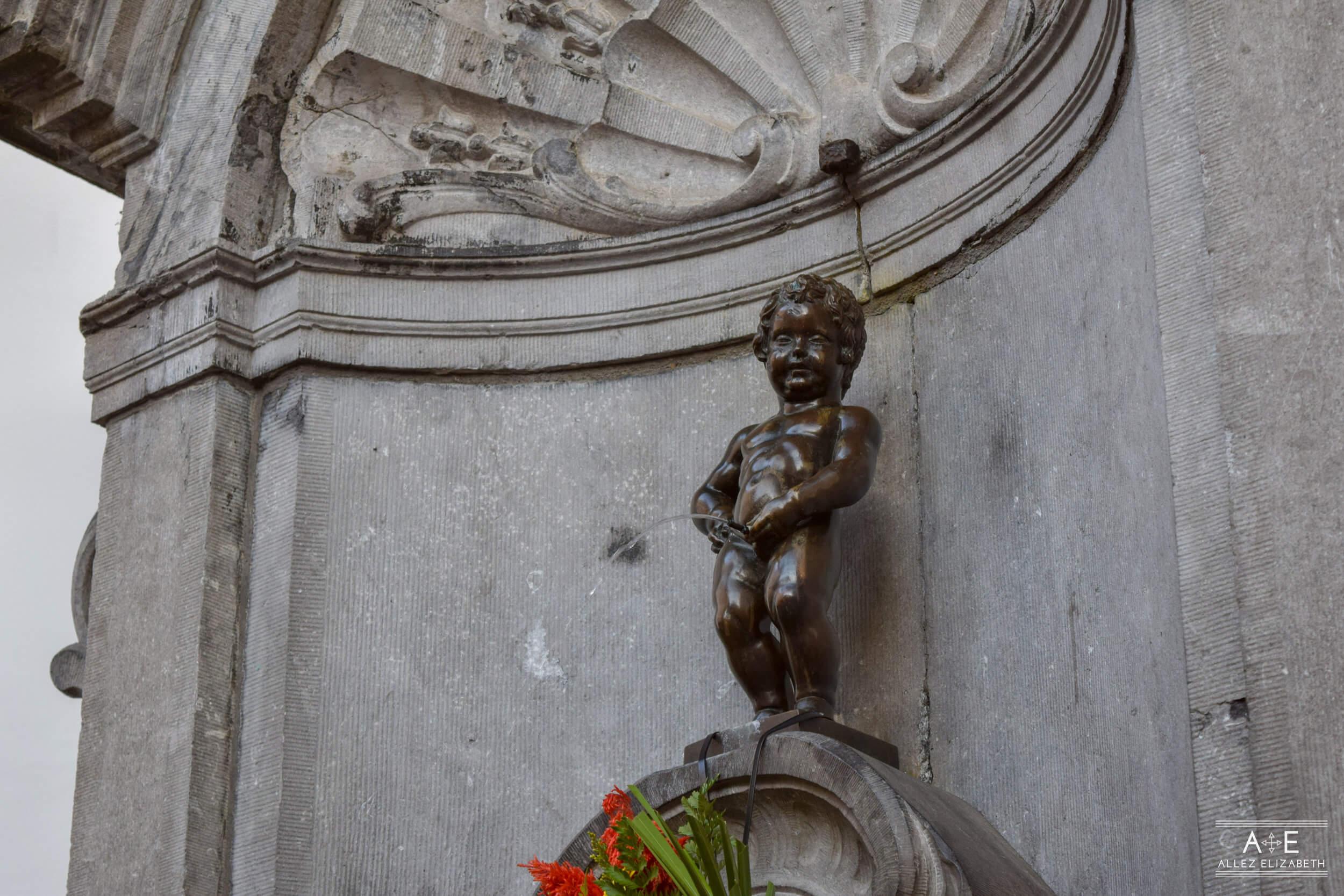 MANNEKEN PIS BRUSSELS, BELGIUM - ALLEZ ELIZABETH