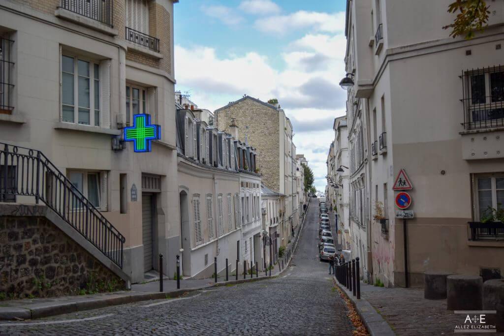 MONTMARTRE PIGALLE PARIS FRANCE - ALLEZ ELIZABETH