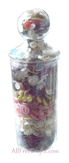 layered button jar