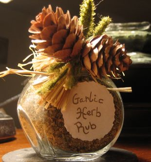 garlic herb rub with jar label and decorations