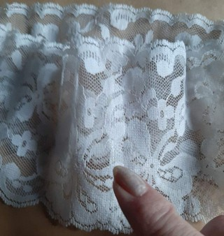 how to glue lace to make an angel skirt