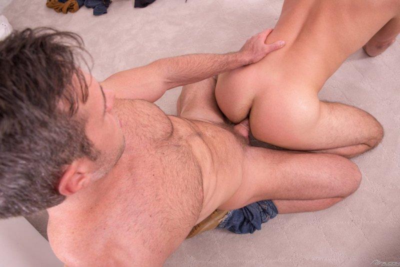 Alex Mecum Bangs Brett Dylan Hard 04