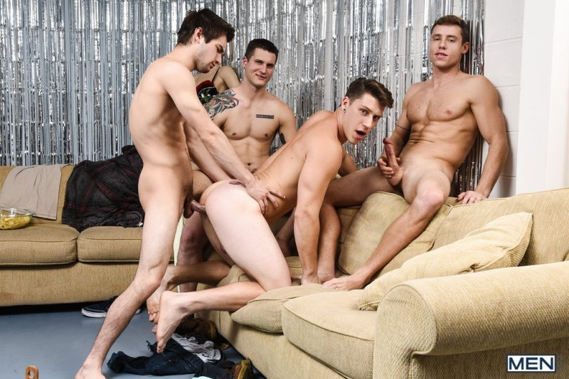 Paul Canon In Naked Frat House 09