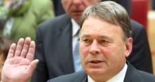 Bayrischer Forstminister nach Waldbrand wieder heil aufgefunden