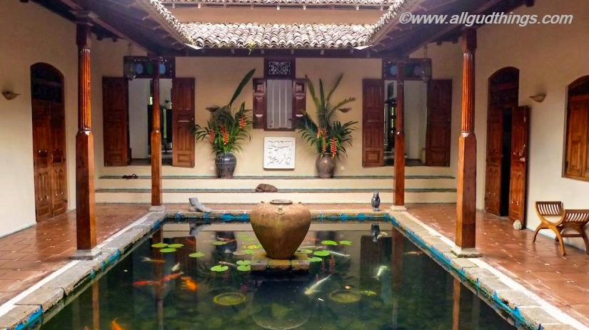 Apa Villa Illuketia, Sri Lanka -Atrium with Pond