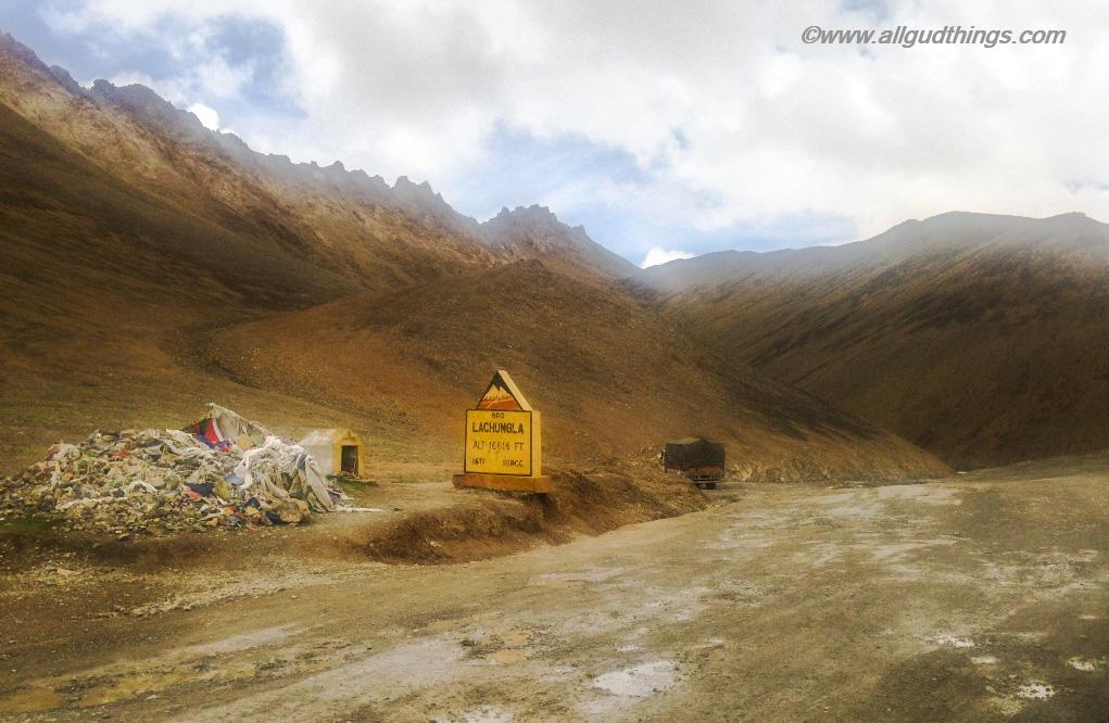 Lachung La: Ladakh, The Land of High Passes
