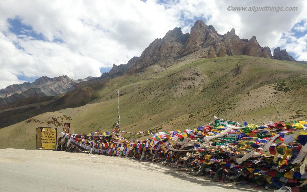 Fotu La top: Srinagar Leh Highway