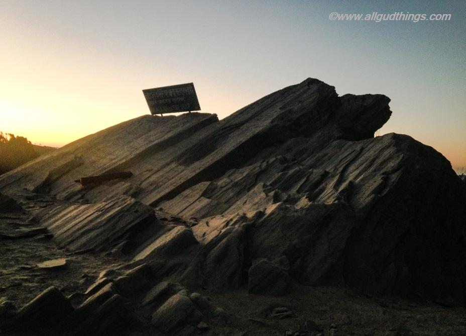 Early morning view of Chauli Ki Jali /Chauthi Jali: Mukteshwar Town