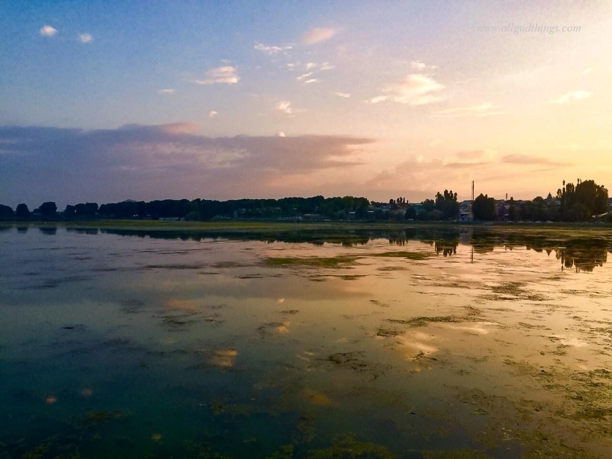 Dal Lake, Srinagar: Sonamarg, Kashmir-The Golden Meadows of India