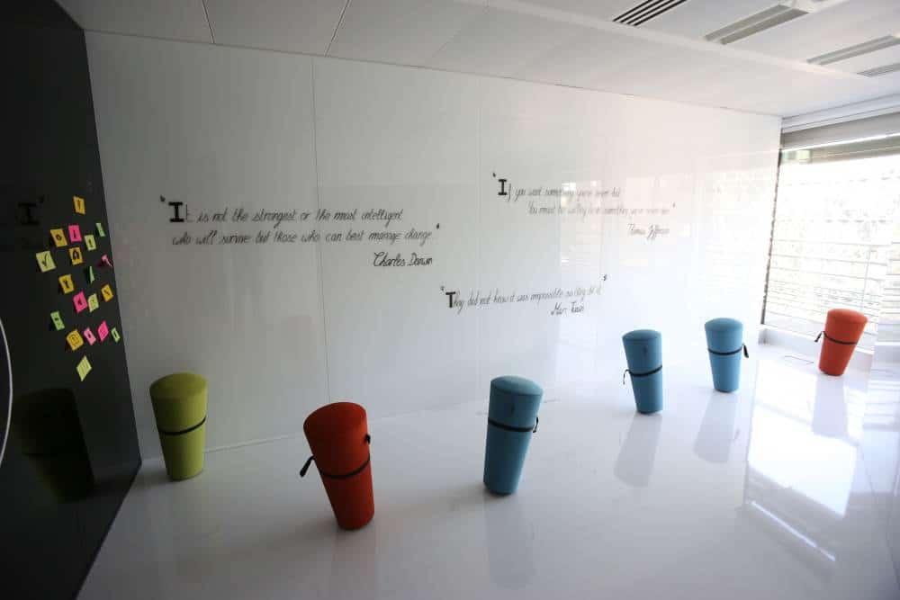 Accenture-White-Room-2