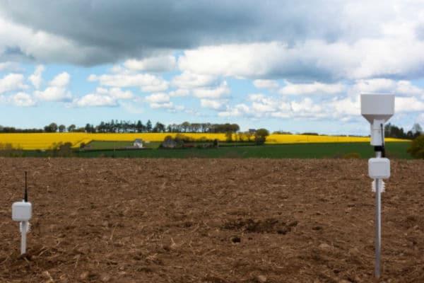 Les capteurs de Weenat permettent à l'agriculteur de connaître l'état de sa parcelle. ©Weenat