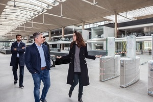 Darren Mowry, director, EMEA Startup chez Amazon Web Services, a visité Station F en compagnie de sa directrice, Roxanne Varza. ©StationF
