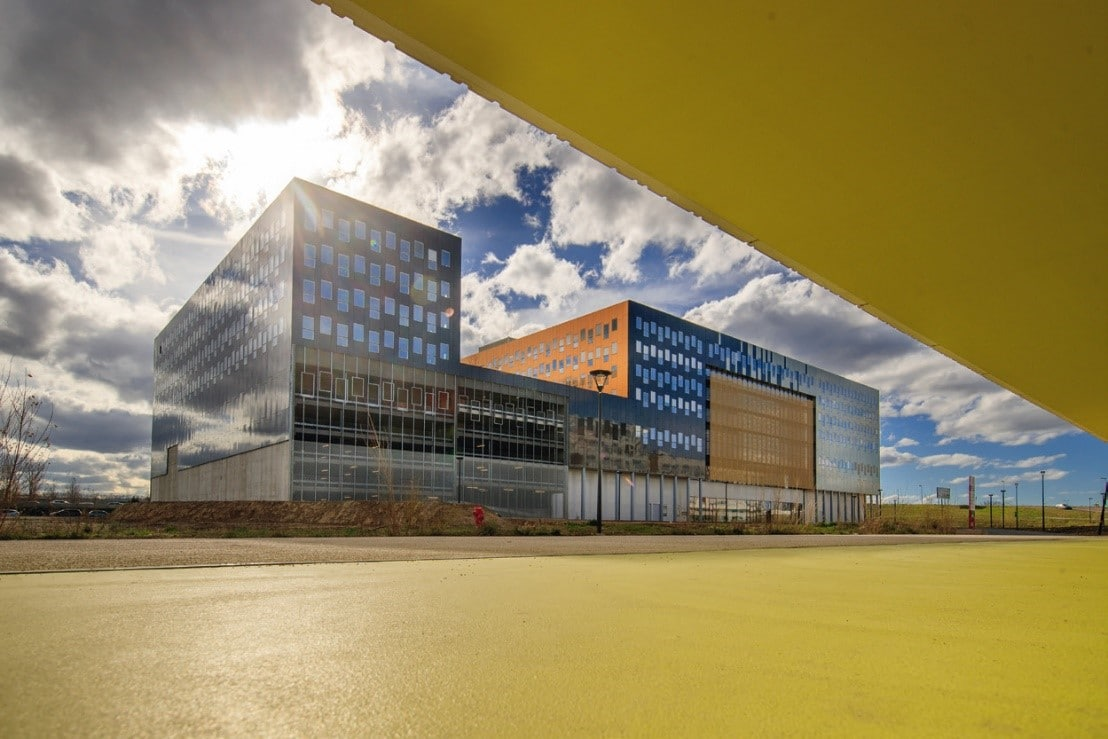 Le pôle de compétitivité Aerospace Valley et Toulouse Métropole lancent B612 Accélération, propose aux start-up deux programmes complémentaires d'accompagnement « District » et « B612 Le Cockpit ». Objectif : accélérer le développement à la fois business et technique de leurs projets, ainsi qu'une offre d'hébergement tout au long de leur parcours, de l'innovation jusqu'à la mise sur le marché. District s'adresse aux entreprises développant une activité aérospatiale avec une forte composante technologique digitale ; B612 Le Cockpit aux entreprises souhaitant préparer, accélérer ou accentuer leur mise sur le marché. Ce programme accélère les projets sur deux principaux axes. Tout d'abord, la confrontation au plus tôt de l'offre aux usages et aux besoins des clients pour les orienter vers les bons partenaires. Ensuite, la définition d'une stratégie d'entrée sur le marché et de financement, afin de sécuriser le développement du projet et gagner les premiers contrats. Selon Yann Barbaux, président d'Aerospace Valley : « Avec B612 Accélération, Aerospace Valley s'impose comme le moteur de l'attractivité de la métropole toulousaine dans le domaine aérospatial. Dix entreprises ont déjà rejoint District, et pas seulement des entreprises toulousaines.