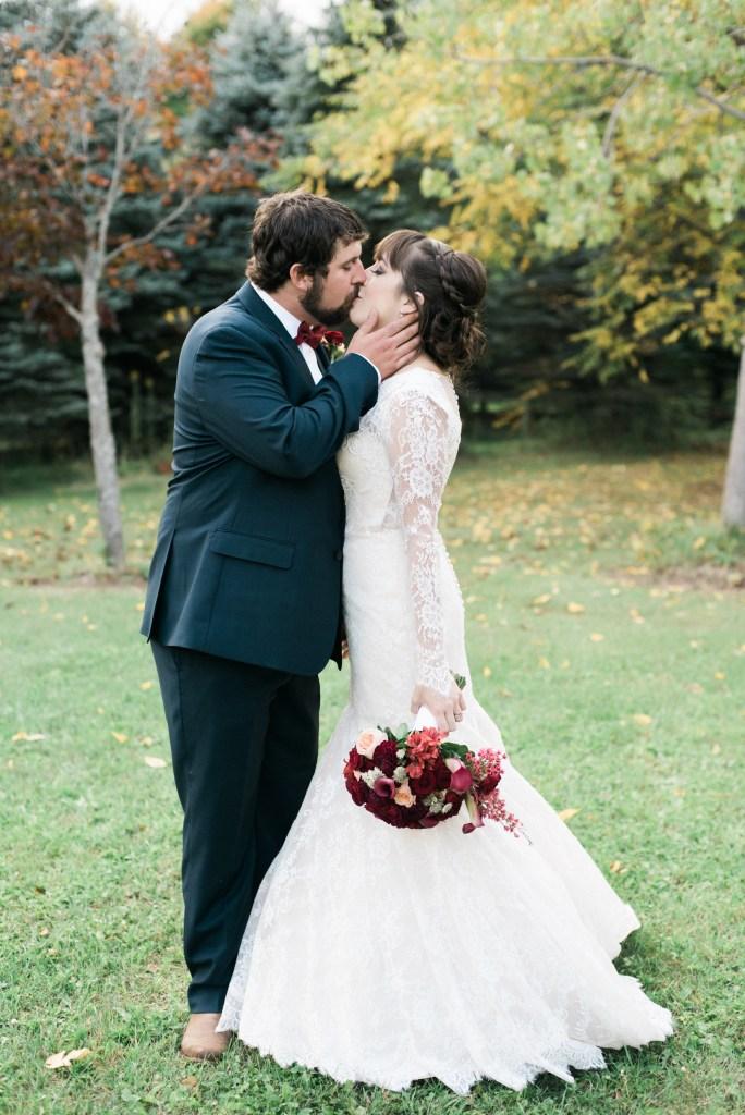 belcroft-estates-wedding-innisfil-ontario-canada-fall-autumn-wedding-photographer-45