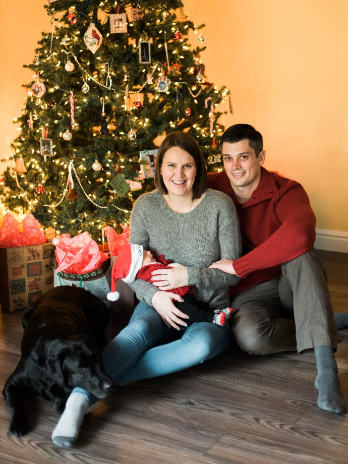 family-photography-lifestyle-newborn-dog-in-home-allie-jennings-photo-26