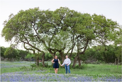 oak valley vineyard bluebonnet engagement session_0008