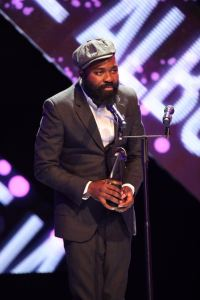 Nduduzo Makhathini receiving SAMA 2017 for Best Jazz Album