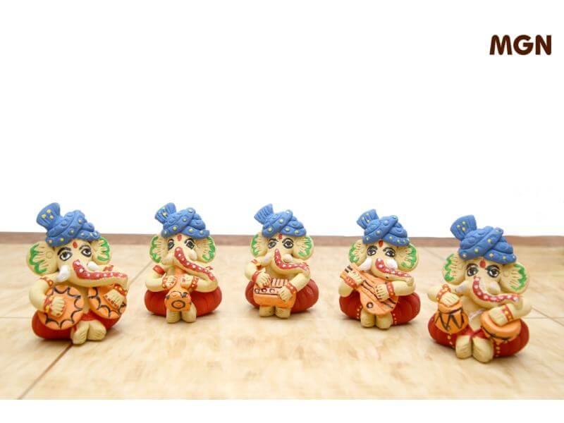 Terracotta Set of 5 Musical Ganesh (Height: 3 Inch, Width: 2.5 Inch)