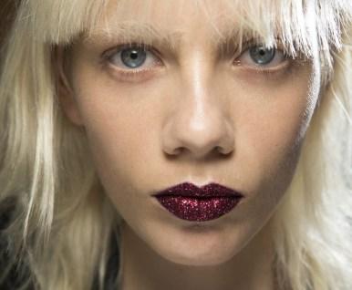 versace red lips
