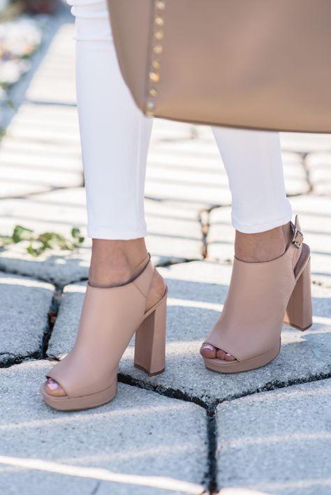 comfy heels, nude clogs, tan clogs