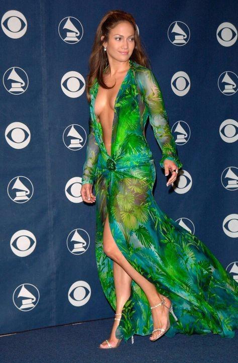 jennifer lopez style, 42nd Grammy awards, versace