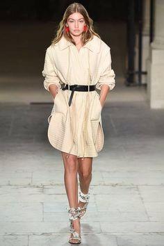 gigi hadid paris fashion week