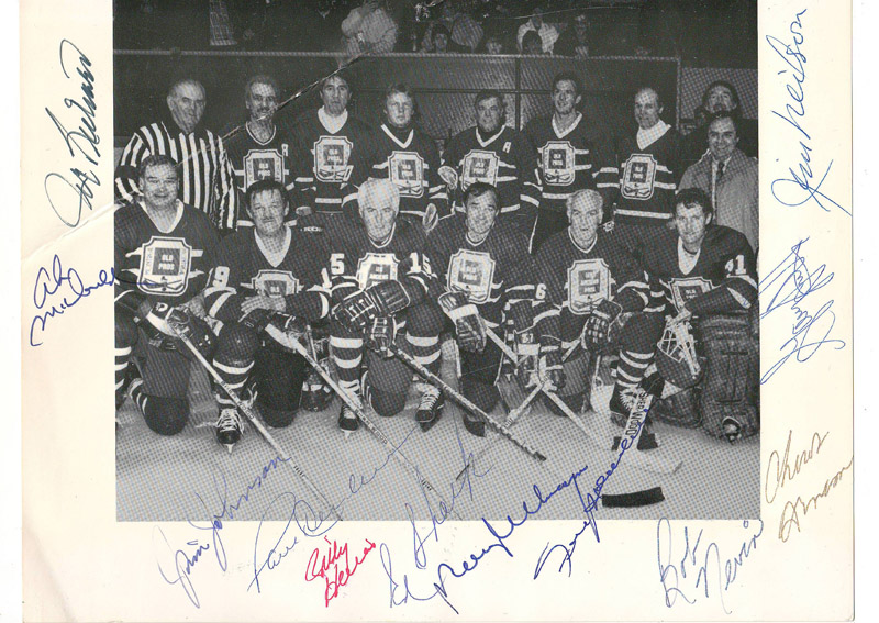 Lot 200 Old Pros signed B&W Hockey Photo incl Henderson, Richard, Shack