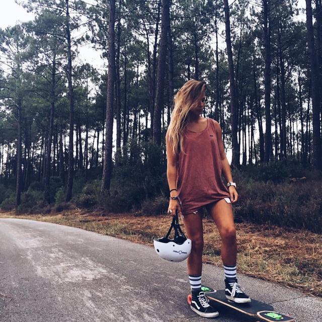Skater sous la pluie en teeshirt Summer I miss you