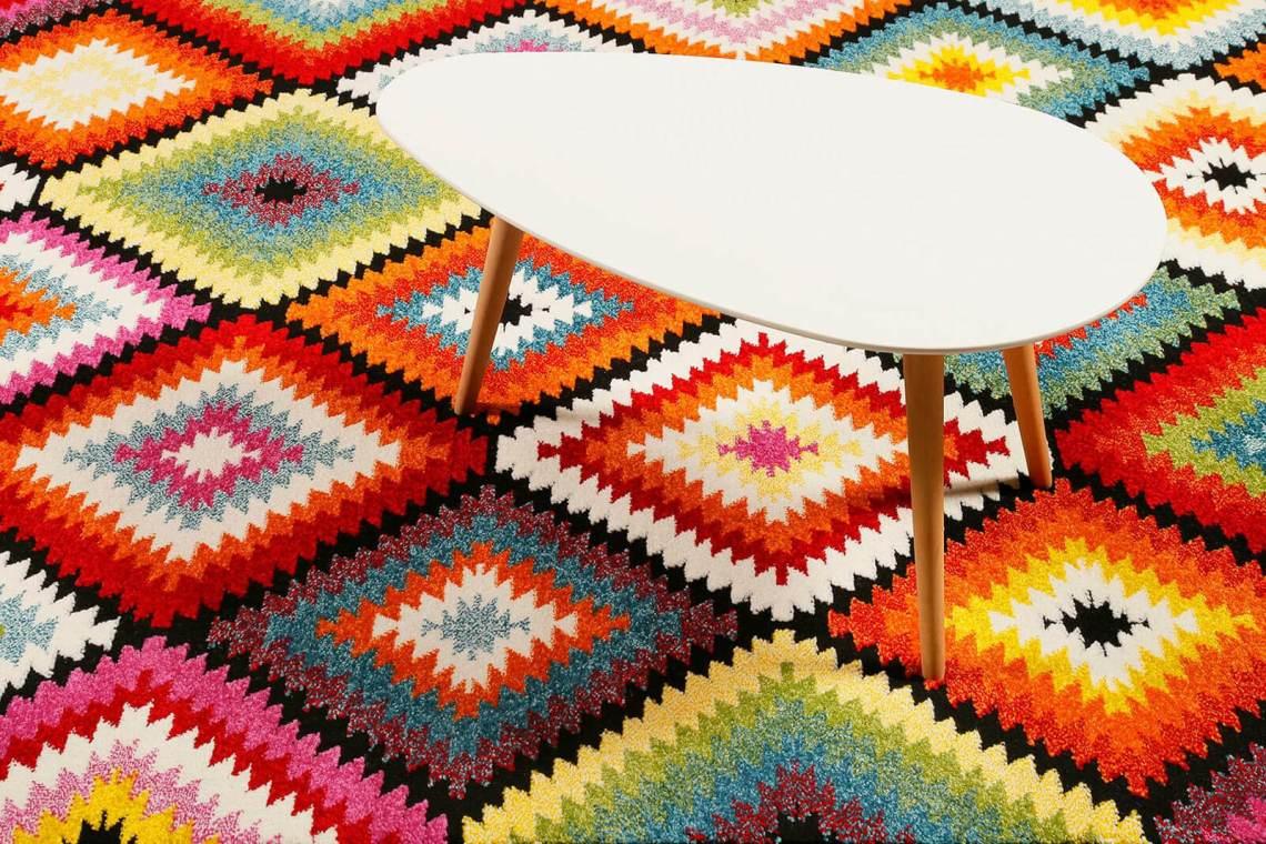 tapis géométrique kilim