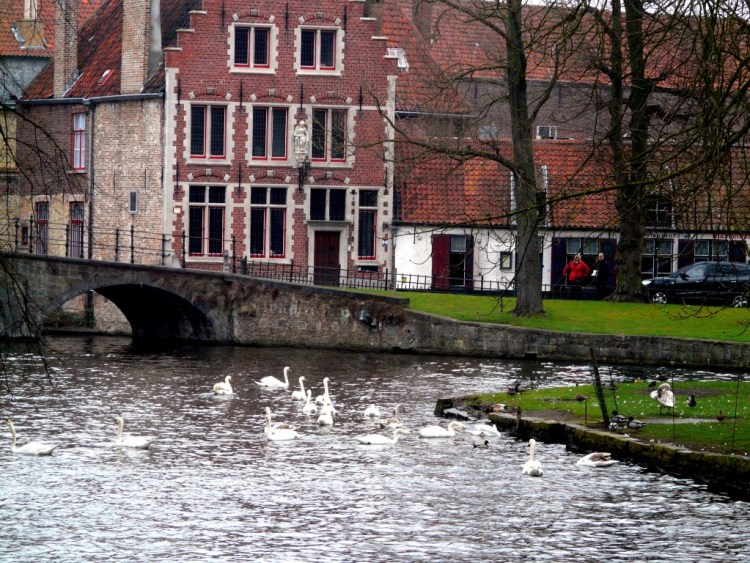 Boat tour in Bruges with kids.