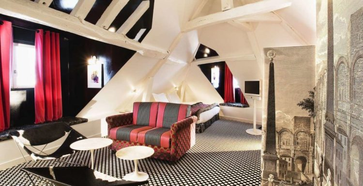 Small stylish hotel in Paris - Hotel du Petit Moulin
