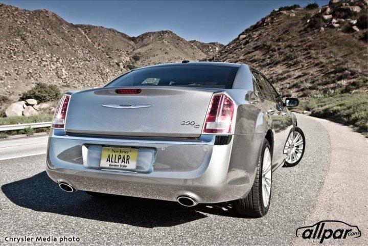 Chrysler-2013-300C-Web