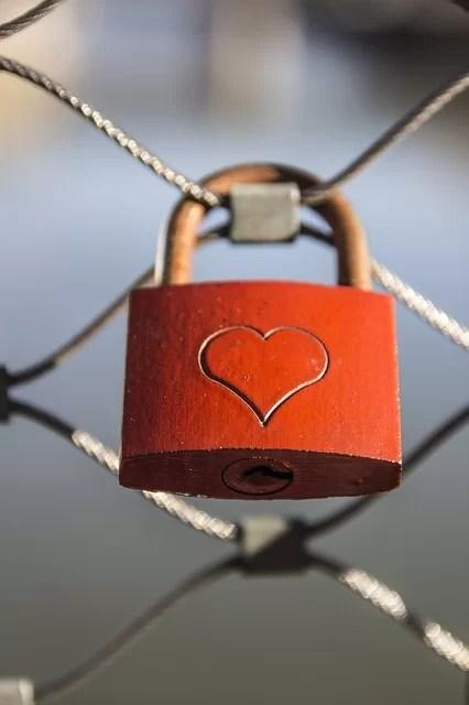 hati, kastil, cinta