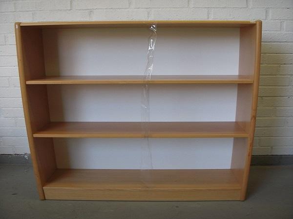 Allt För Kontor Tua 3 x A4 bokhylla liten sockel1
