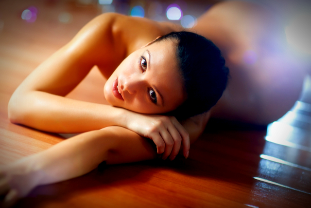 6 Best Naked Saunas Around the Globe