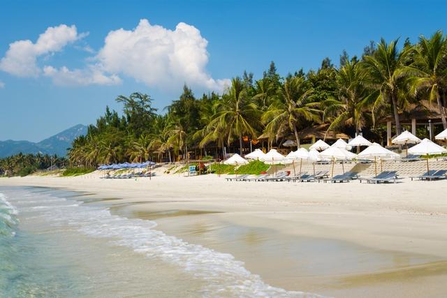 Vietnam Doc Let Beach