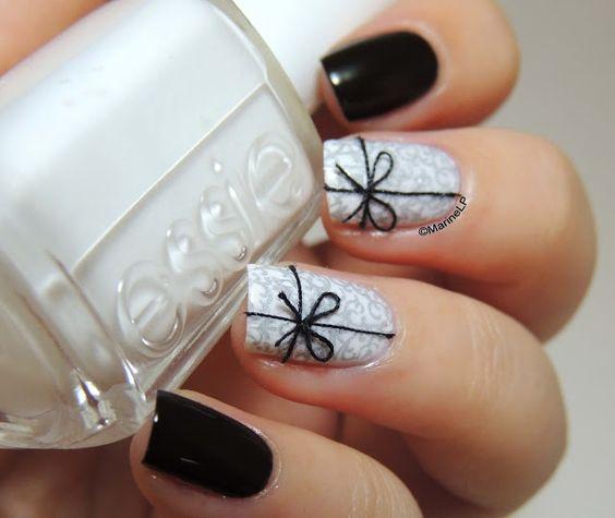 black and white nail art christmas design